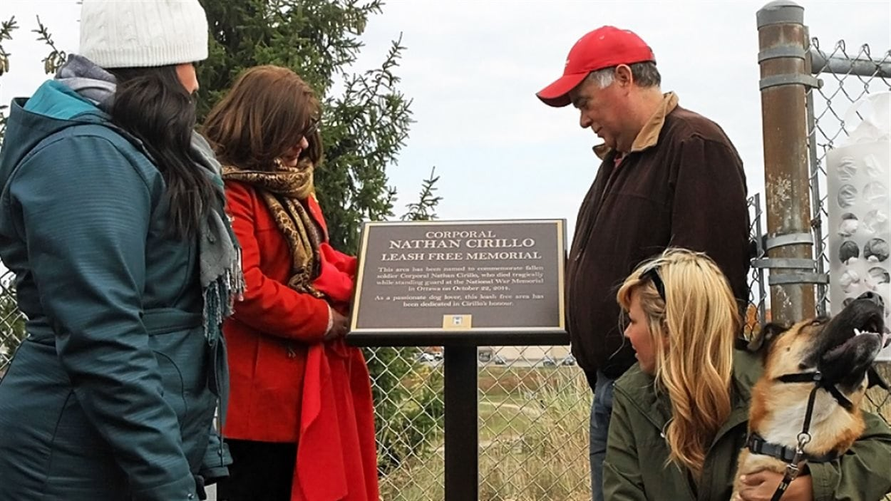 Parc pour chiens renommé à la mémoire du caporal Nathan Cirillo à Hamilton