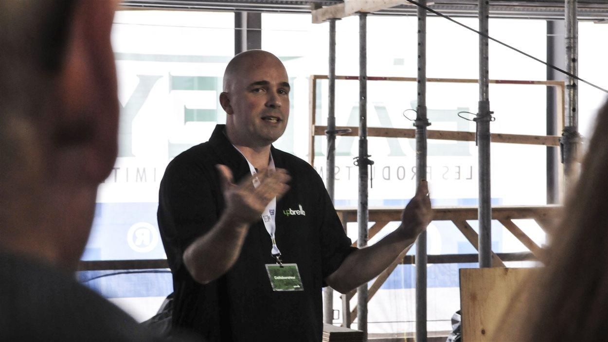 L'ingénieur Joey Larouche a développé la méthode de construction «Upbrella».