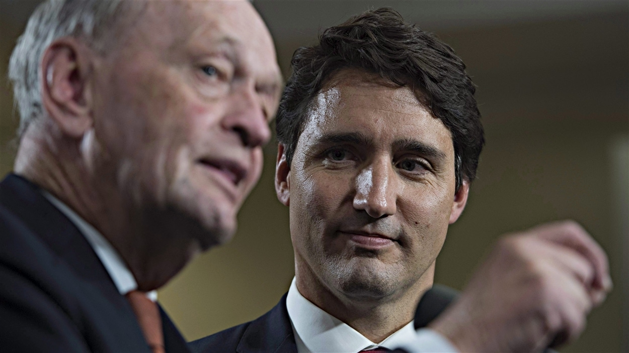 Jean Chrétien et le chef du Parti libéral du Canada (PLC), Justin Trudeau, à la fin de la campagne électorale fédérale. (oct-15)