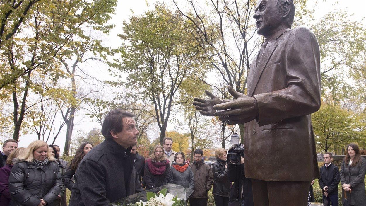 Cérémonie du 29 octobre 2015 à Québec à l'occasion du 28e anniversaire de la mort de l'ancien premier ministre René Lévesque.