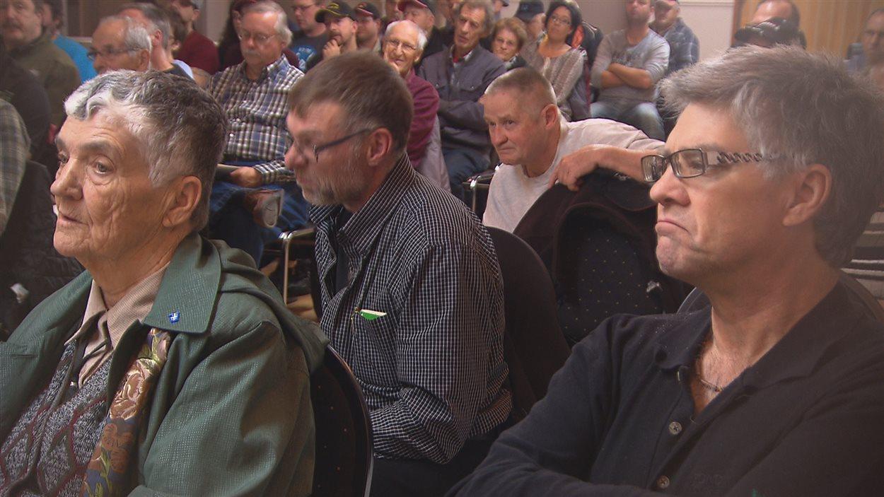 Plusieurs personnes ont fait entendre leur mécontentement face au projet préliminaire de la phase 3 du prolongement de l'autoroute 85