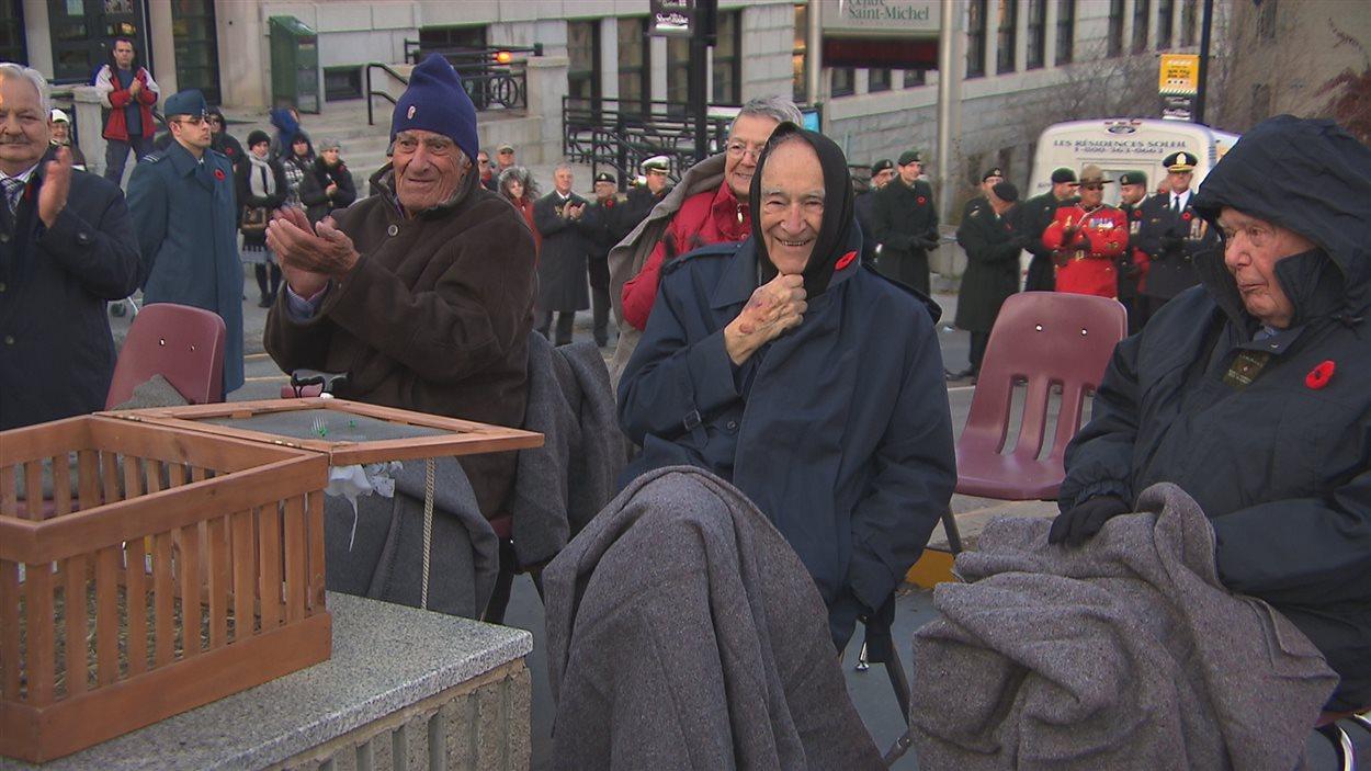Les anciens combattants ont assisté à la cérémonie du jour du Souvenir à Sherbrooke.