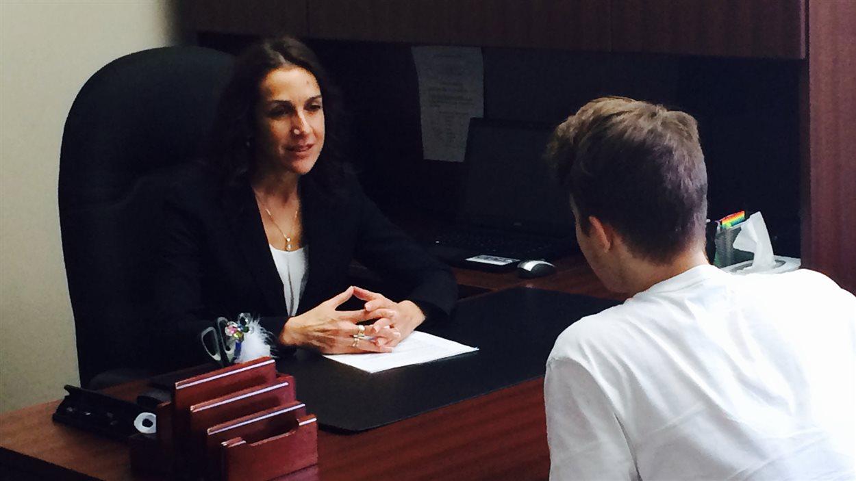Nathalie Saint-Amour, psychothérapeute spécialisée en trouble alimentaire