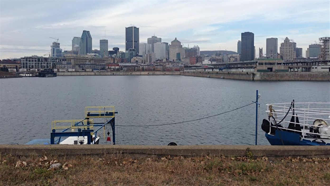 Montréal vue du port, le jour du déversement des eaux usées