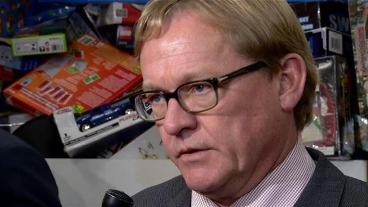 Le ministre de l'Éducation David Eggen