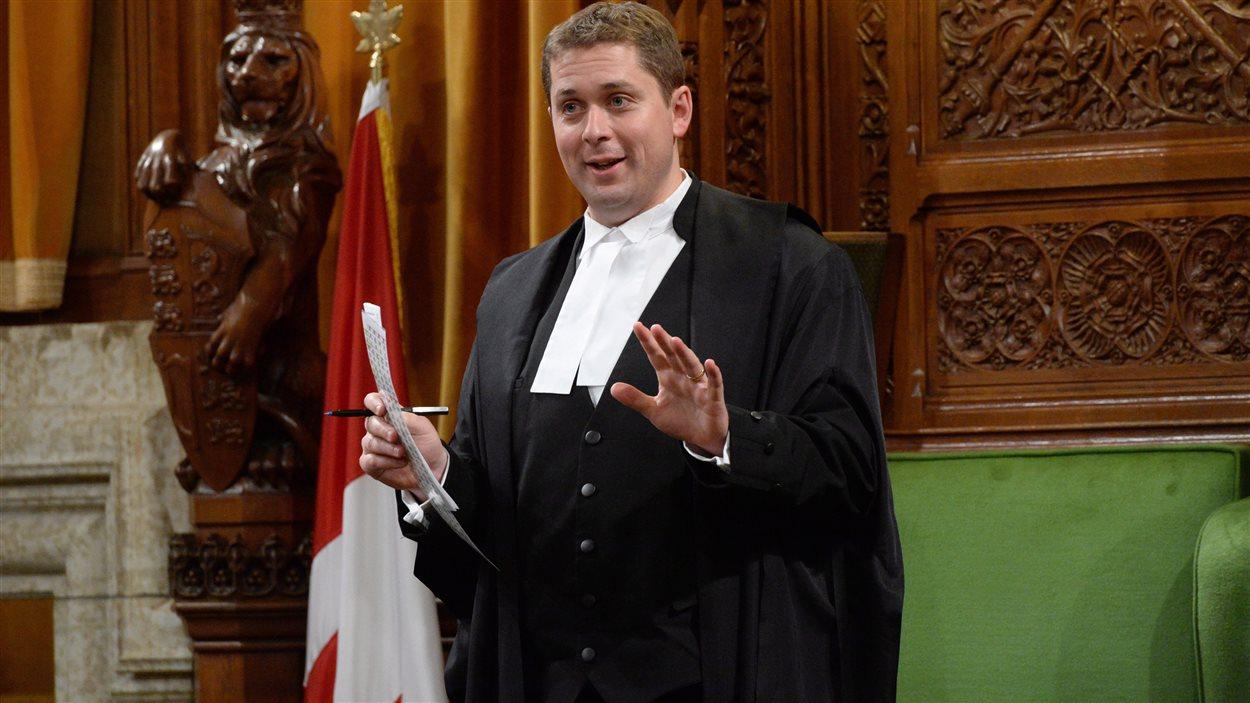Le député de Regina-Qu'Appelle Andrew Scheer est nommé leader de l'opposition officielle à la Chambre des communes.