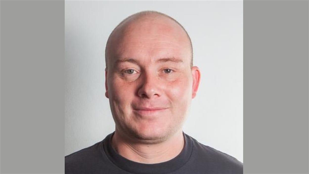 Mack Flavelle est chef de produit pour AxiomZen. L'entreprise vancouvéroise encourage les employés à développer des projets innovants sur Internet.