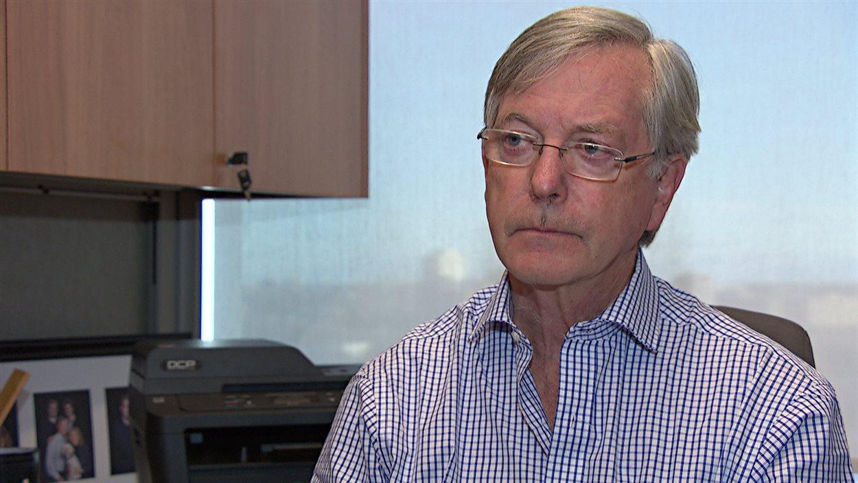 Irvin Waller est professeur de criminologie à l'Université d'Ottawa.