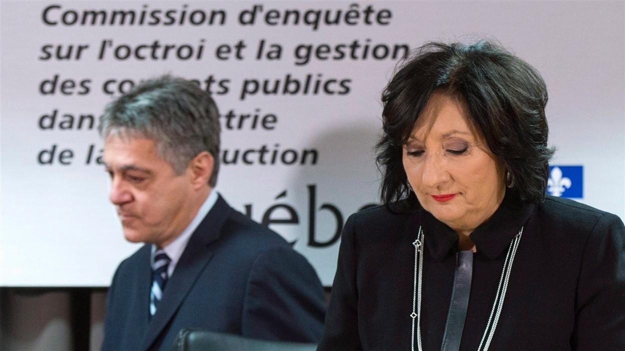 Le commissaire Renaud Lachance et la juge France Charbonneau, présidente de la commission qui porte son nom, lors du dépôt du rapport.