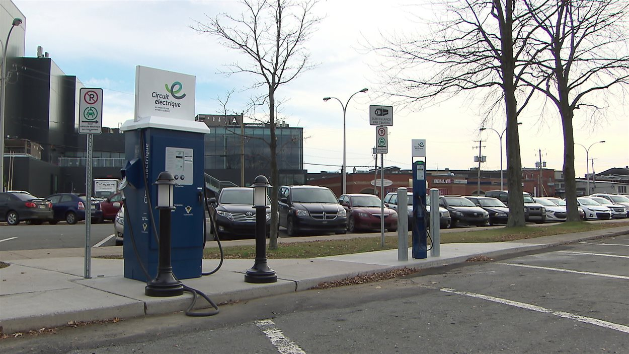 Des bornes de recharge électrique, à Victoriaville