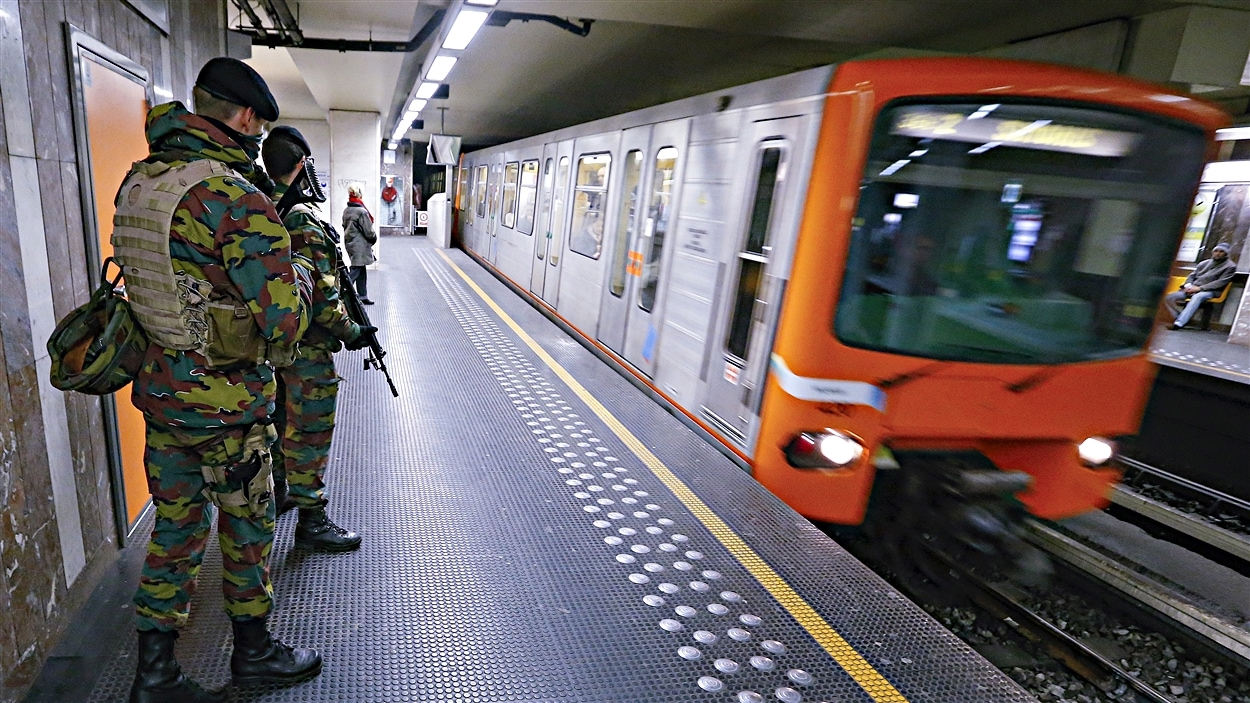 Des militaires belges dans le métro de Bruxelles