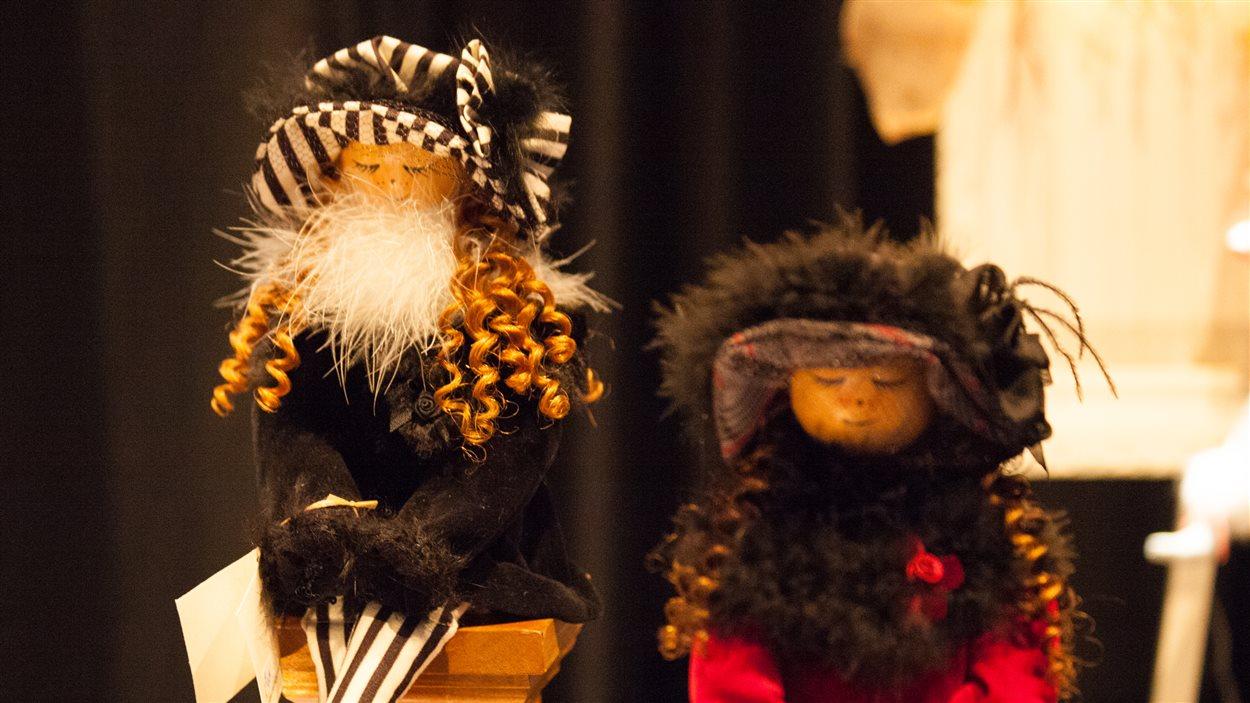 La précision des poupées miniatures de Suzanne Thériault
