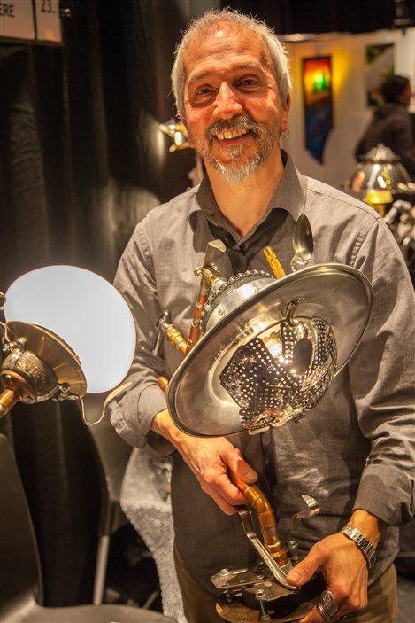 Les lampes de Benoît Laverdière avec des matériaux recyclés