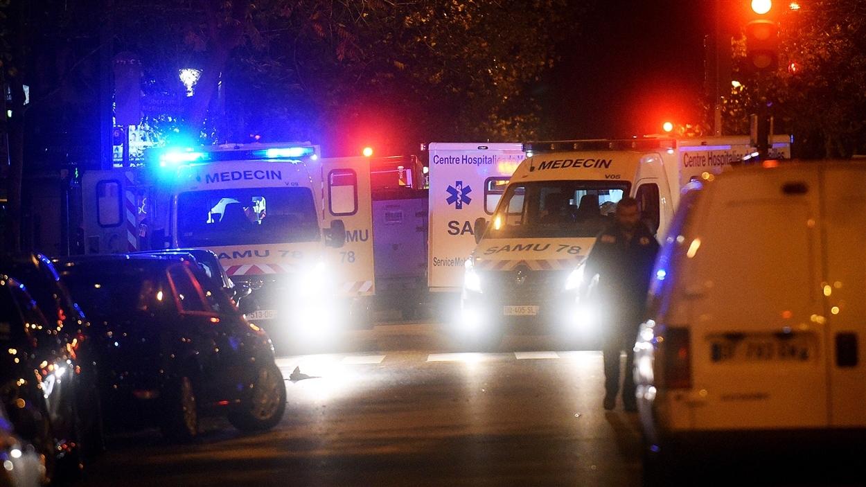 Des ambulances à Paris le 13 novembre, soir des attentats qui ont fait 130 victimes et 350 blessés.