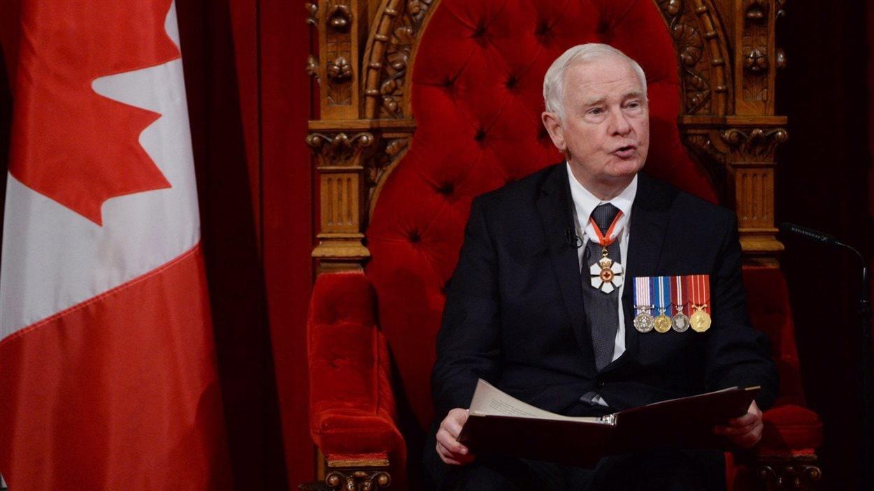 Le gouverneur général David Johnston lit le premier discours du Trône du gouvernement Trudeau.
