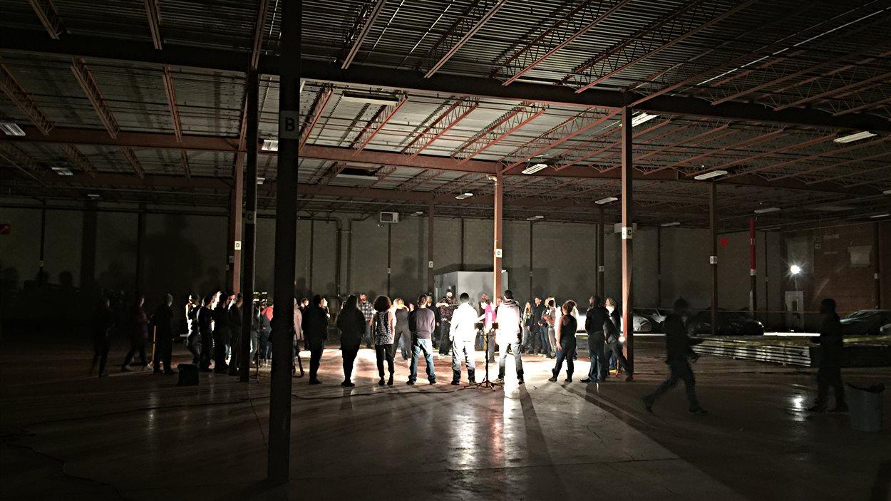 Le réalisateur Stéphan Beaudoin tourne un long métrage dans l'ancienne usine Denim Swift à Drummondville.
