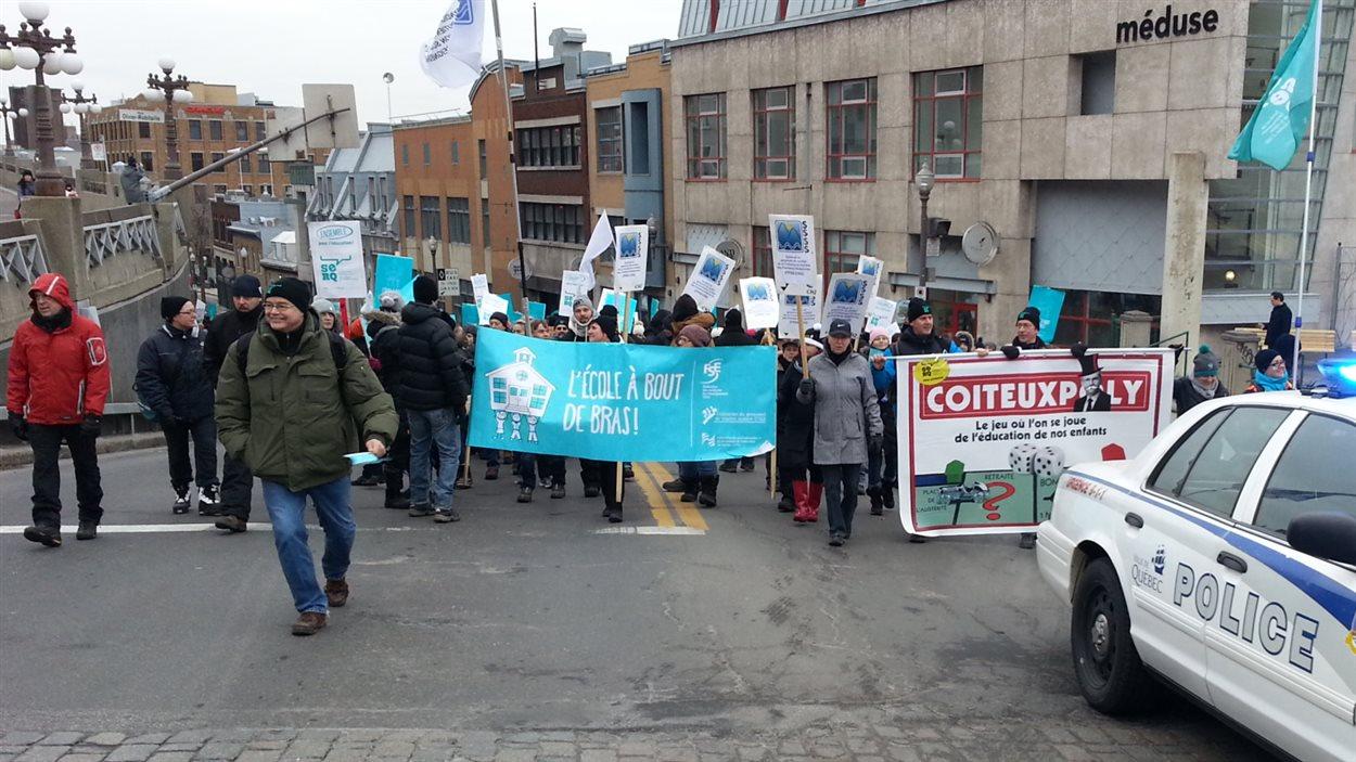Les manifestants ont emprunté la côte d'Abraham pour se rendre sur la colline Parlementaire.