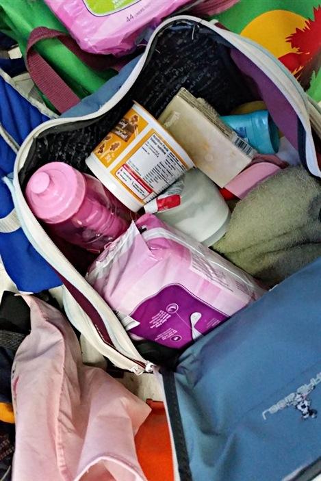 Des mamans monoparentales de l'Outaouais offrent «de l'espoir dans les bagages» aux sans-abris.