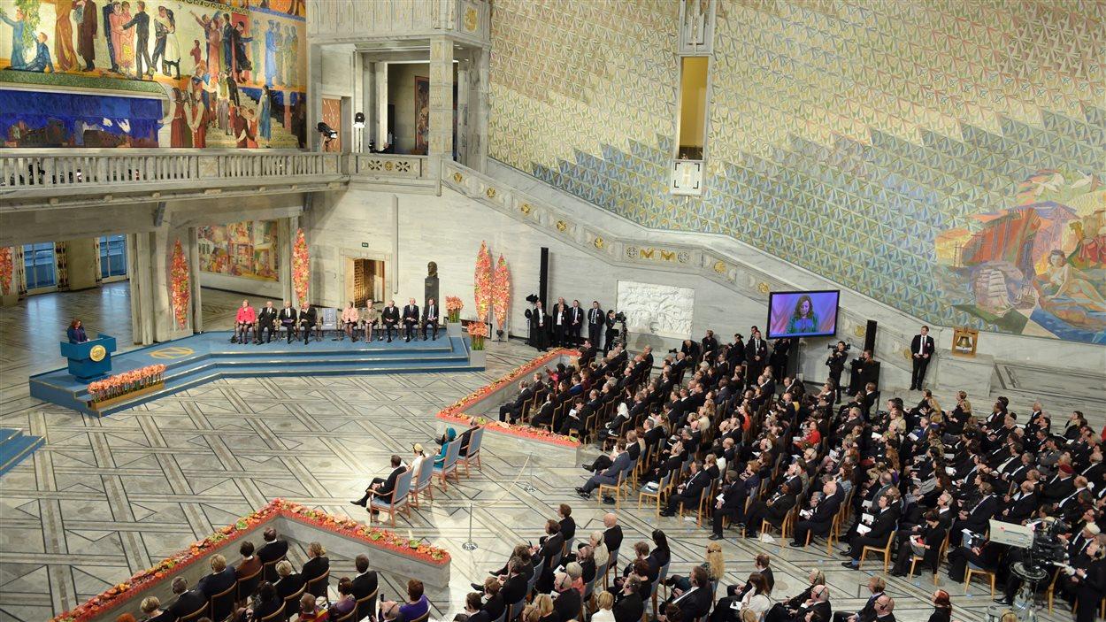 La cérémonie de remise du prix Nobel de la paix s'est déroulée à l'hôtel de ville d'Oslo.