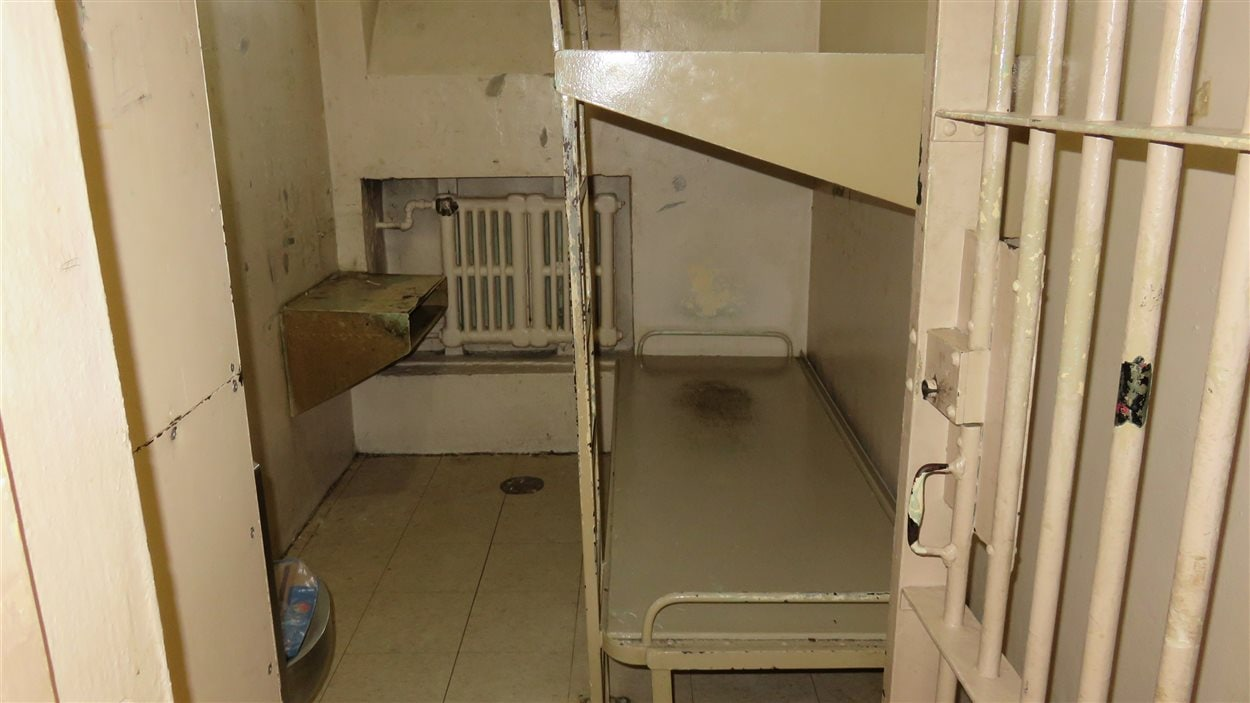 Cellule conventionnelle pour deux détenus à la prison de Chicoutimi