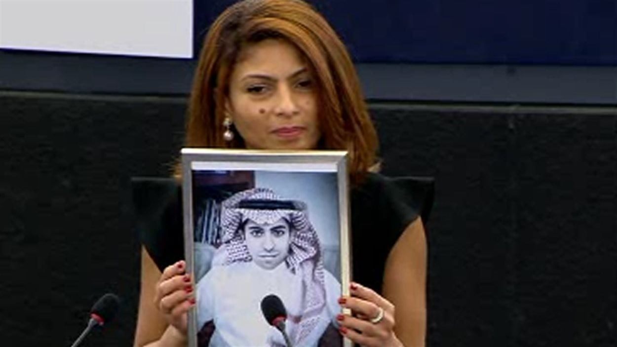 Ensaf Haidar reçoit, au nom de son mari, le prix Sakharov