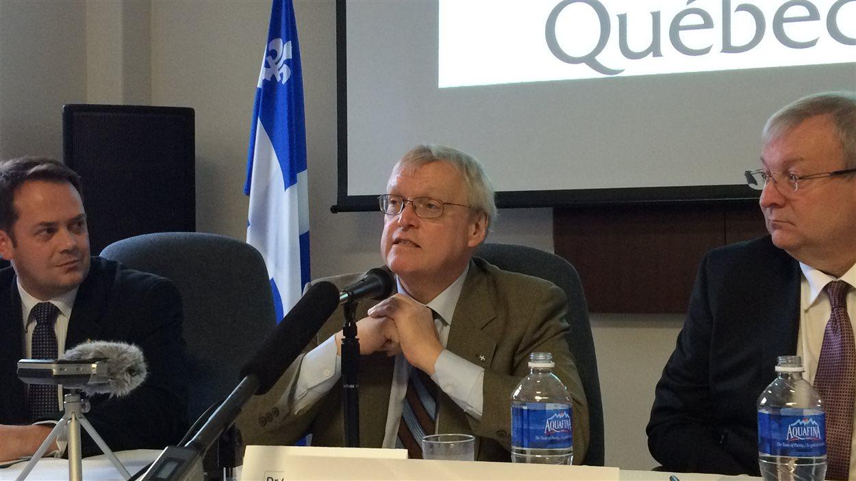 Le ministre de la Santé, Gaétan Barrette, de passage au Témiscamingue
