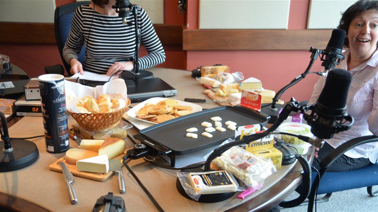 Dégustation de fromages de l'Abitibi-Témiscamingue à l'émission Le radio magazine