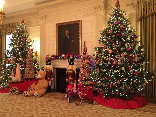 Voici ce à quoi ressemble la Maison,Blanche à Noël