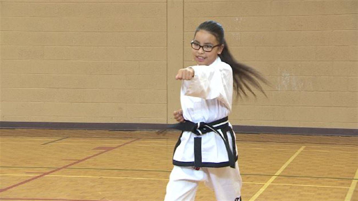 Aurora Lavallee, 10 ans, a décoché une ceinture noire en taekwondo. 466214705ae