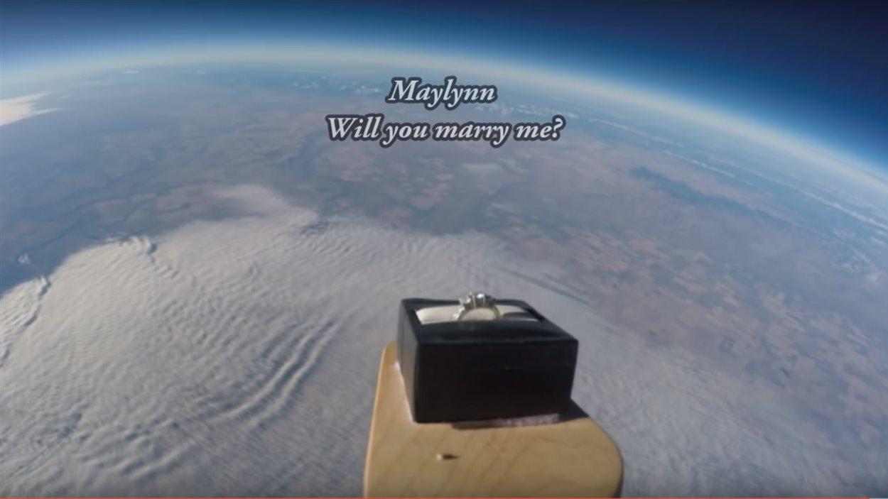 Shawn Wright a envoyé sa bague de demande en mariage dans la stratosphère.