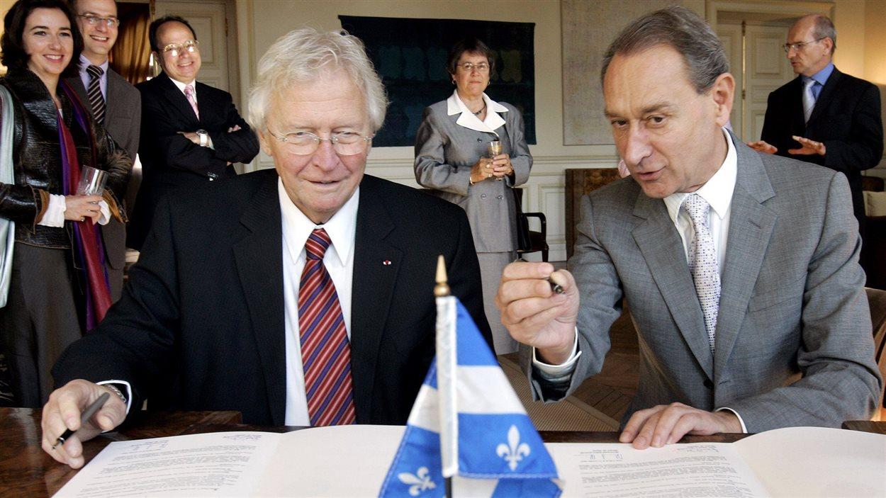 Le maire Jean-Paul L'Allier et l'ancien maire de Paris, Bertrand Delanoë.