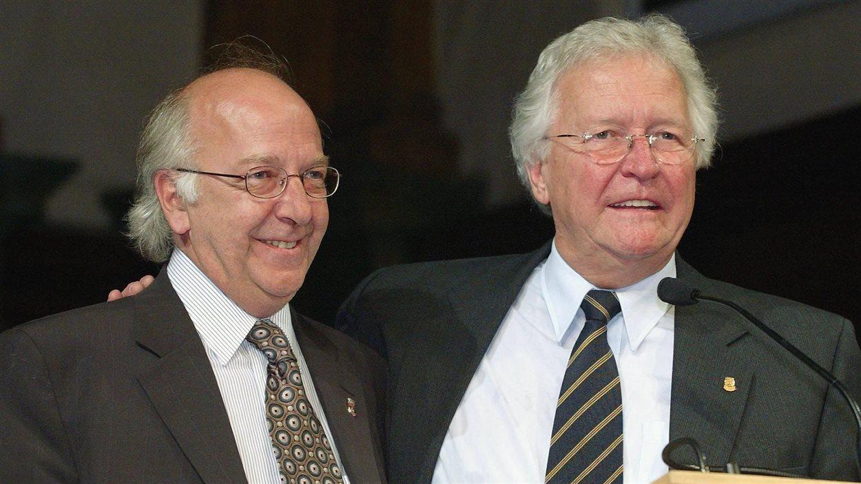 Jean-Paul L'Allier avec le maire de Cap-Rouge, Normand Chatigny, en juin 2004.