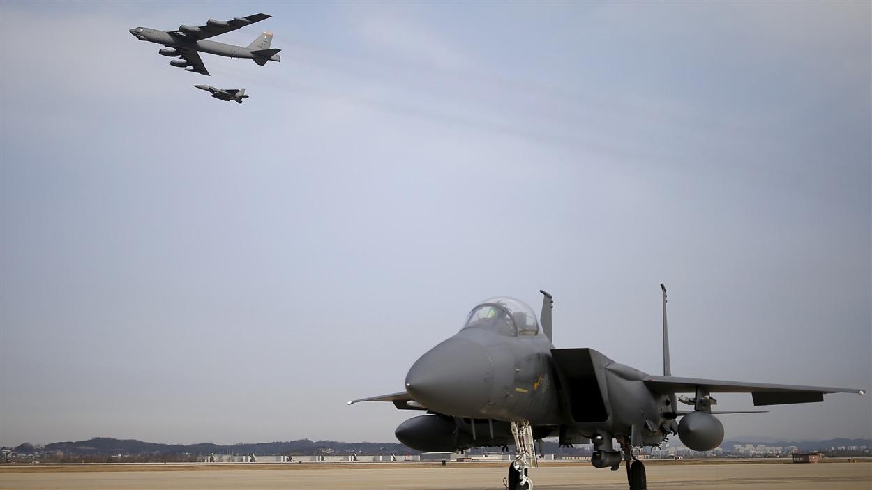 Le bombardier à longue portée, capable de transporter des armes nucléaires, a été vu dimanche survolant la base aérienne d'Osan, au sud de Séoul.