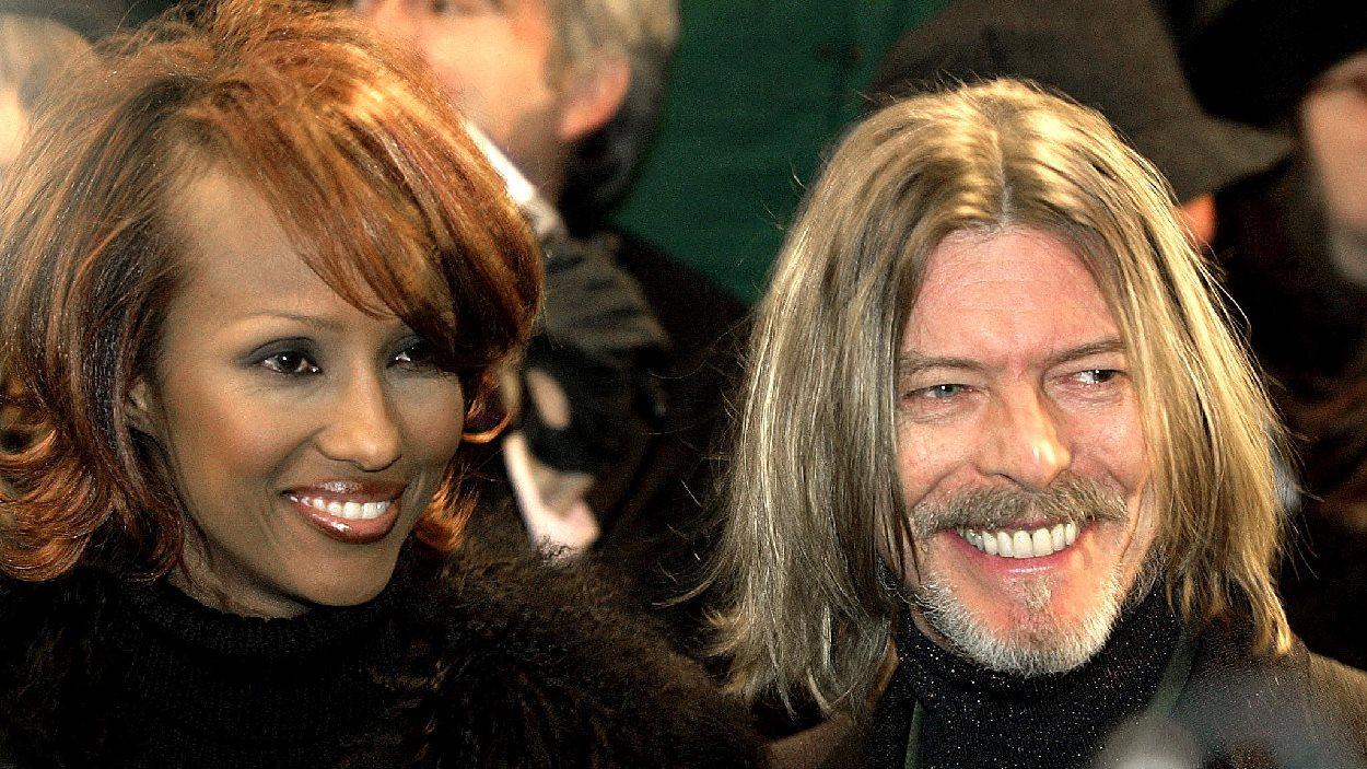 David Bowie en compagnie de son épouse, la modèle Iman. Le couple s'est marié en 1992