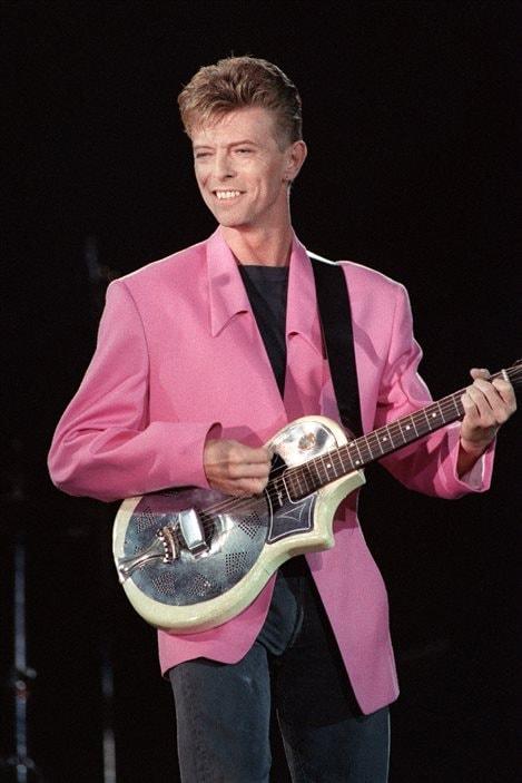 Le 21 septembre 1991, Bowie monte à la place de la Nation à Paris