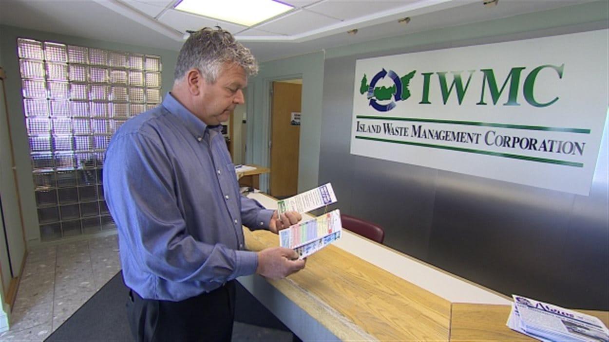 Le président-directeur général de la Société de gestion des déchets de l'Île-du-Prince-Édouard, Gerry Moore, croit que l'éducation est indispensable pour améliorer le tri des déchets dans la province.