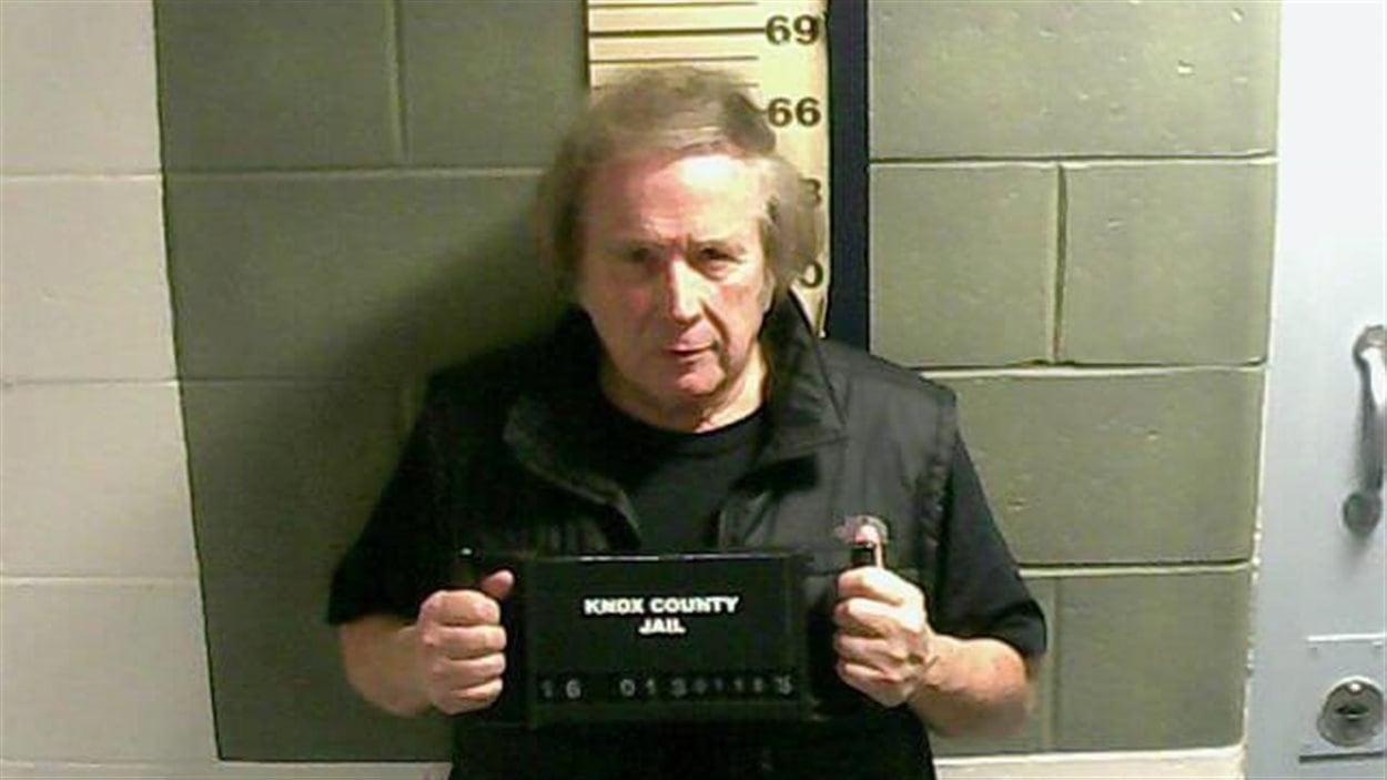 Le chanteur Don McLean lors de son arrestation