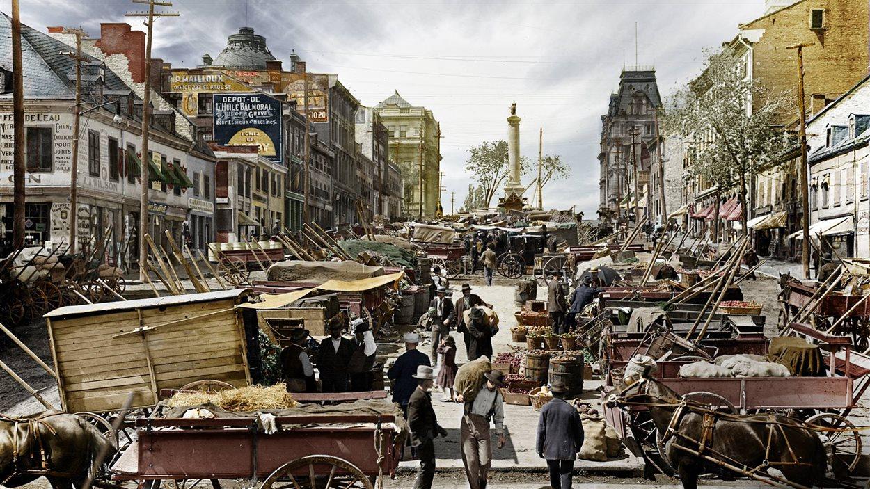 Marché place Jacques-Cartier, vers 1900. COPR Detroit Photo. Colorisé par Stephania Rossi.