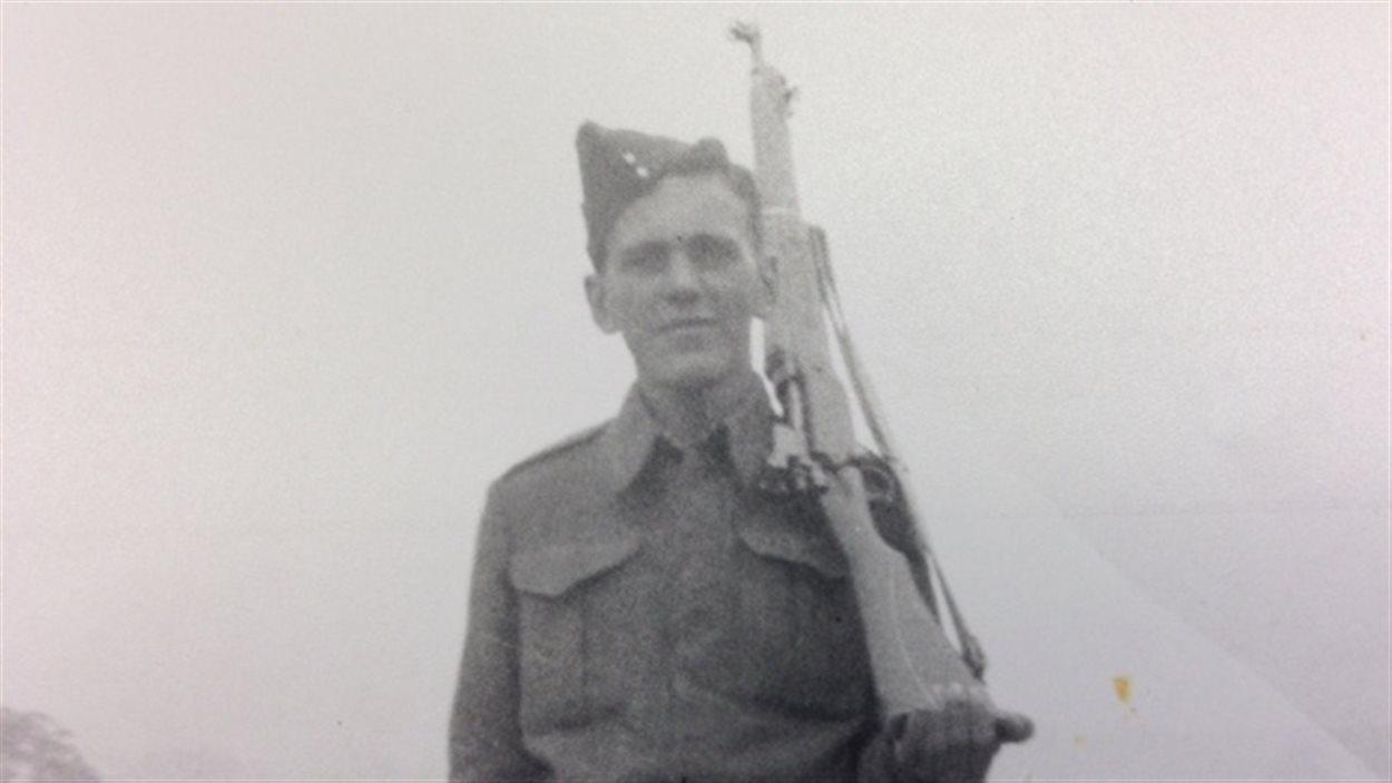 Photos de Normand Caron, décoré Chevalier de la Légion d'honneur.