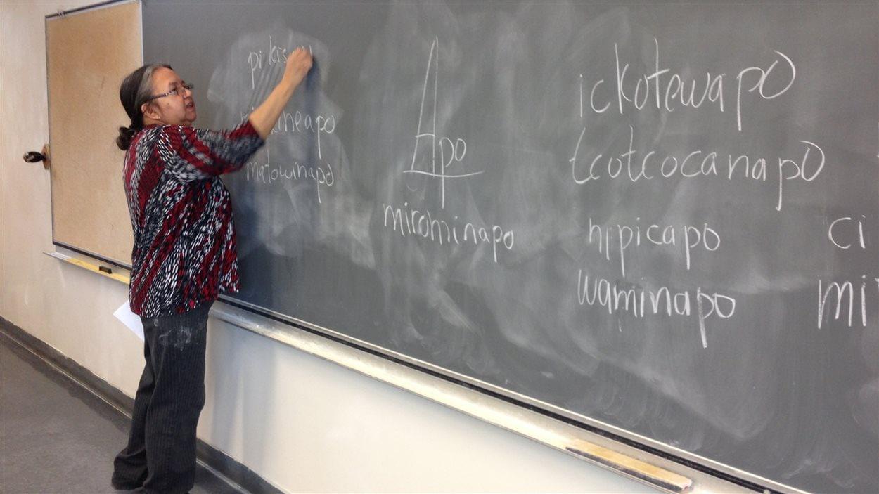 Jeannette Coocoo, enseignante en atikamekw à l'école secondaire Nikanik, à Wemotaci.