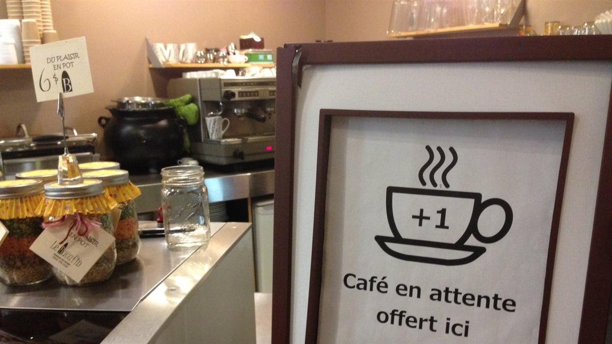 Le café Bucafin de Trois-Rivières offre des cafés en attente.