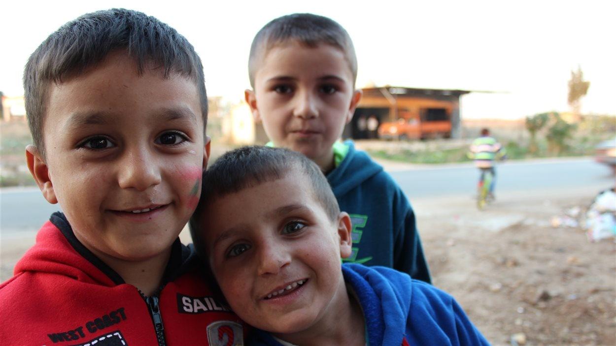 Des enfants dans un camp de réfugiés au Liban.