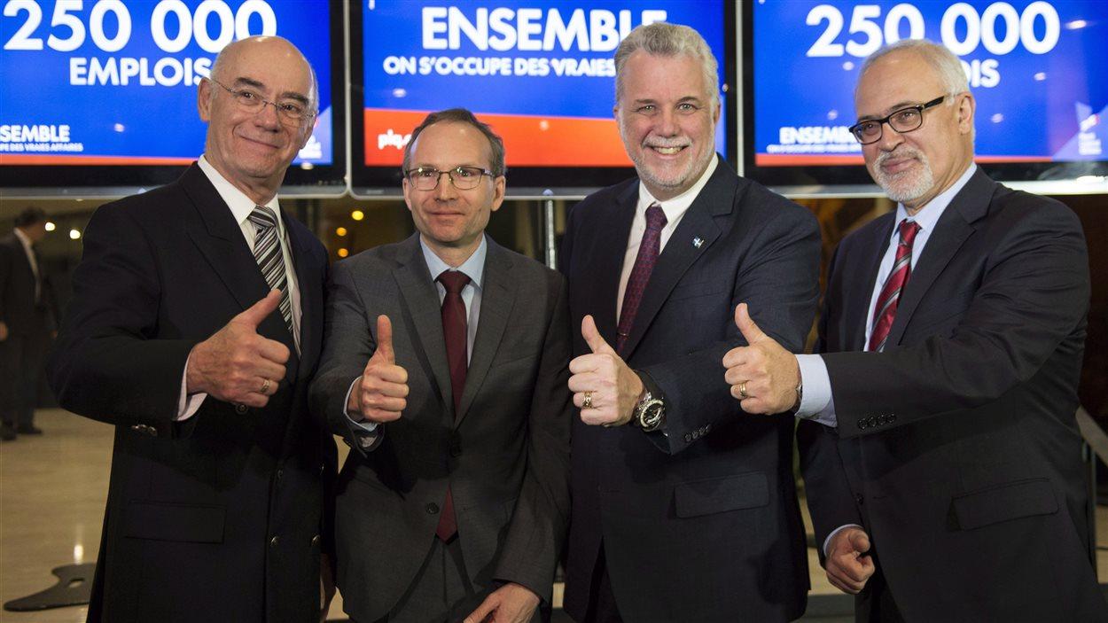 Jacques Daoust, Martin Coiteux, Philippe Couillard et Carlos Leitao
