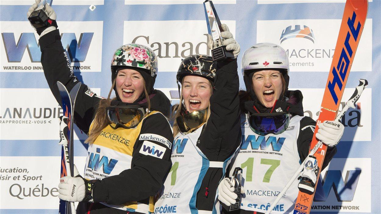 Les sœurs Dufour-Lapointe ont réalisé un triplé historique à Val Saint-Côme, au Québec.