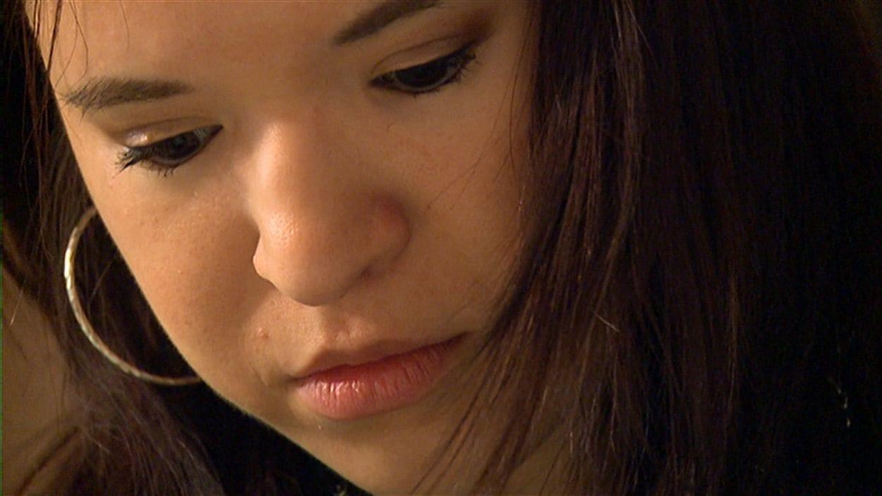 La Winnipégoise Stephanie Siddle souffre d'une dépression majeure, de l'anxiété et du trouble personnalité limite. Elle dit qu'au cours de ses dix tentatives de suicide, on lui a souvent donné congé quelques heures après son arrivée à l'hôpital.