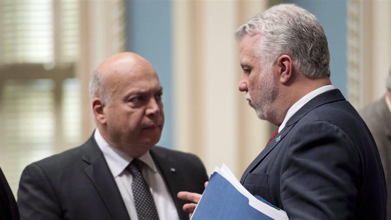 L'ancien ministre des Transports Robert Poëti et le premier ministre du Québec Philippe Couillard
