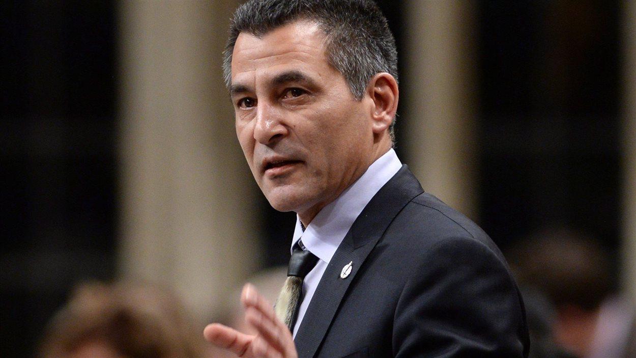 Le ministre de Pêches et Océans et de la Garde côtière canadienne, Hunter Tootoo, à la Chambre des communes, le 29 janvier