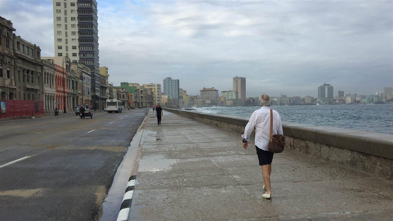 Le Malecon, la « terrasse populaire » des habitants de la capitale cubaine