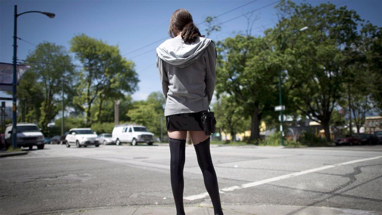 Une jeune prostituée de la rue