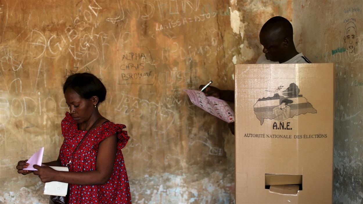 Des électeurs centrafricains